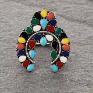 Jewelry - Western Style Stretch Ring